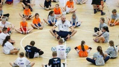 Marcin Gortat otwiera szkoły